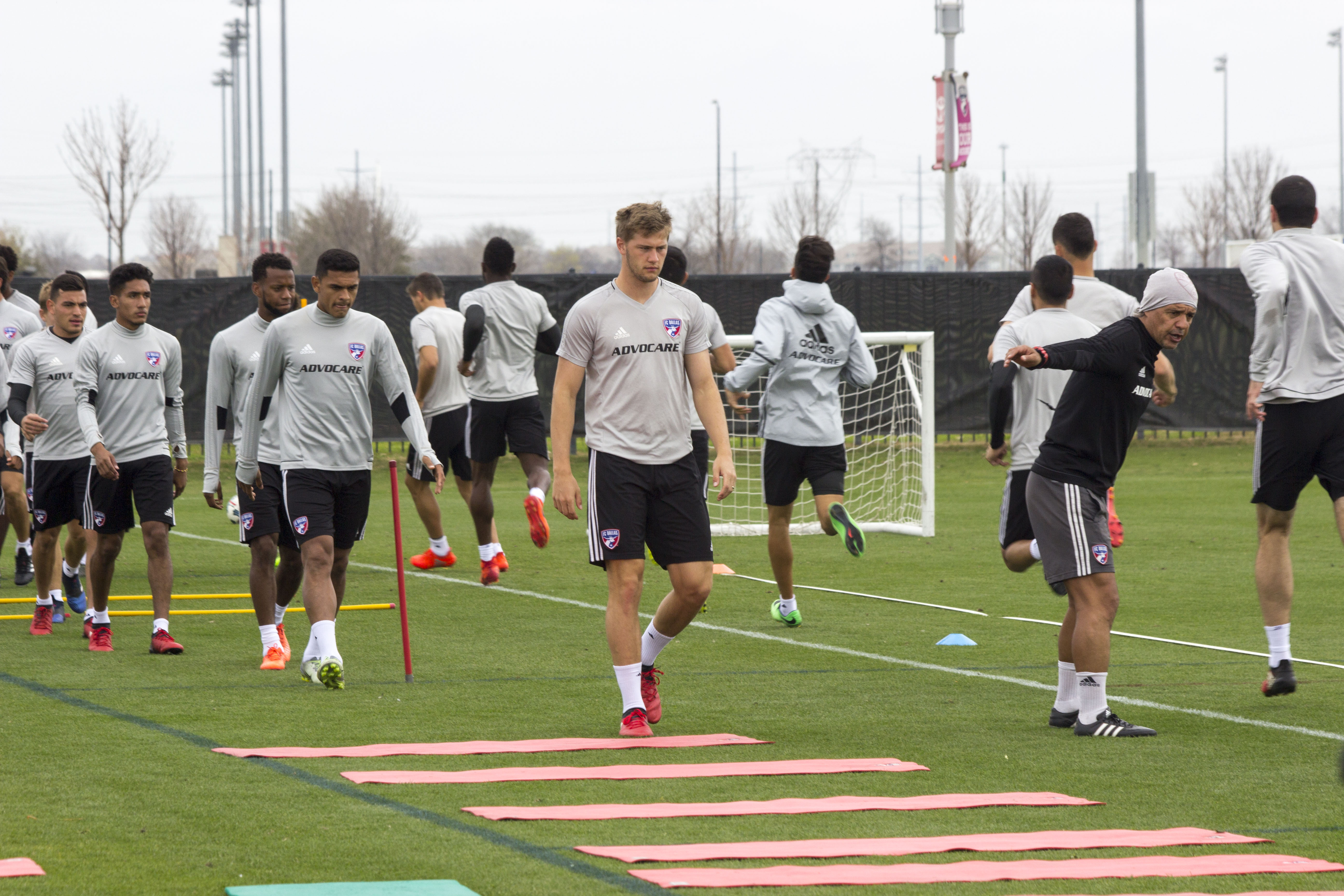 Fc Dallas Training Update Sporting Kc besides Download Pics 2014 in addition Photos Les Plus Incroyables Jo 2016 as well Colombia Recibe  o Heroes A Los Medallistas Olimpicos ed71a58ef8a29310VgnVCM3000009acceb0aRCRD furthermore Fc Dallas Training Update Sporting Kc. on oscar figueroa update