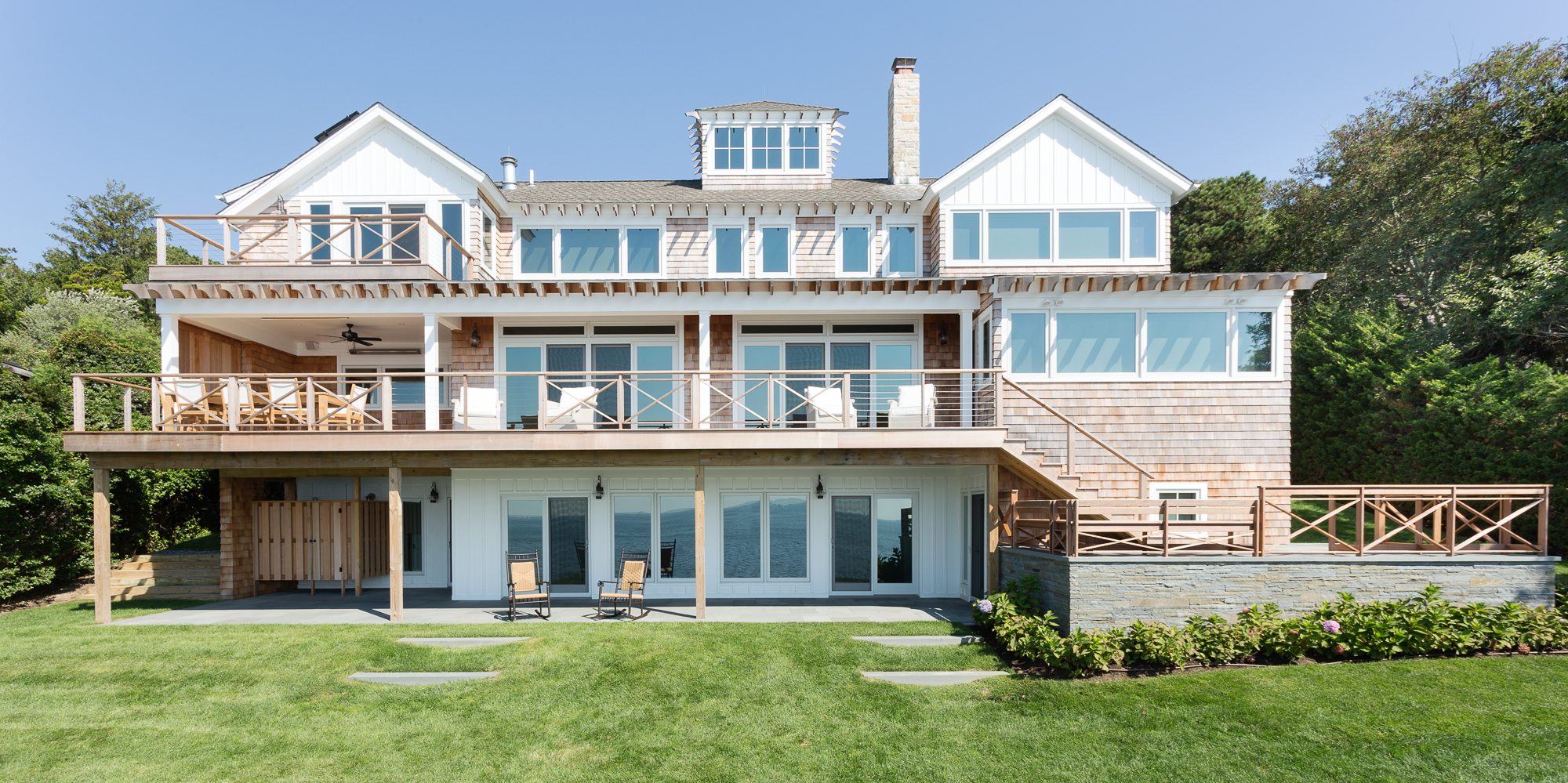 The 4 best homes in the hamptons by architect pamela for Architects hampton