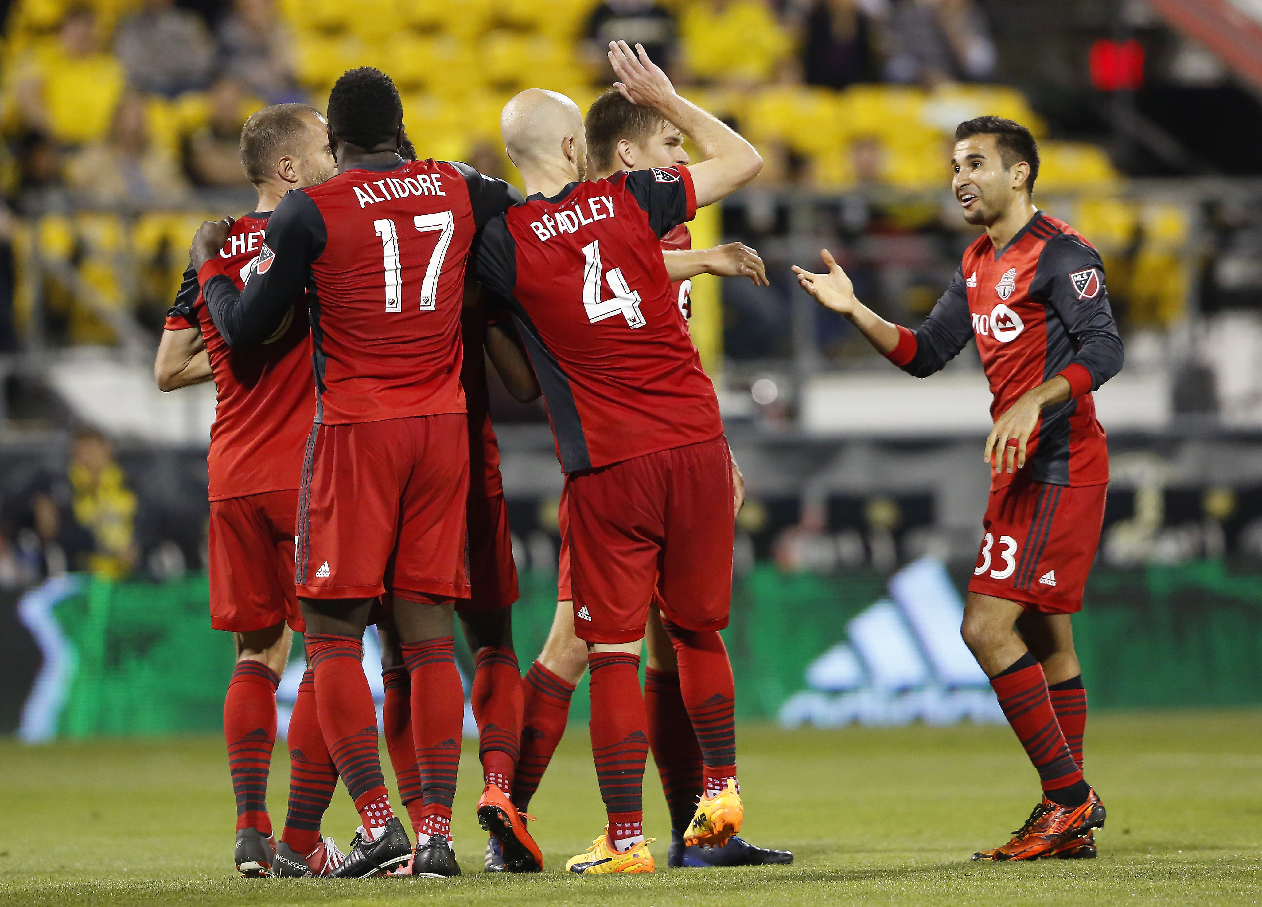 Toronto FC beats Minnesota United 3-2 for 6th straight win