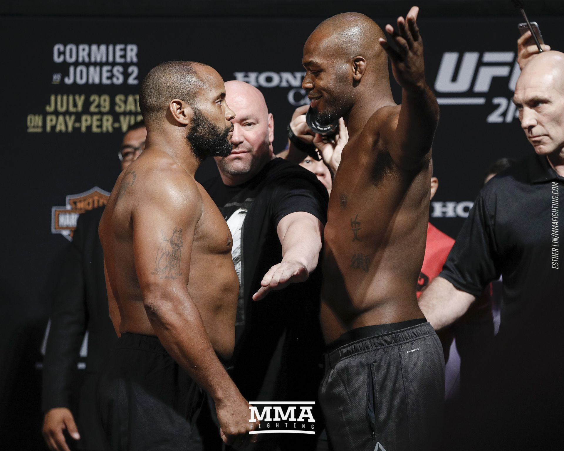 UFC 214 weigh-in photos - MMA Fighting