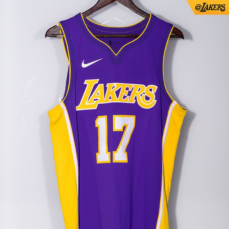 Lakers officially unveil three of their new Nike jerseys - Silver ... 12868e06718c