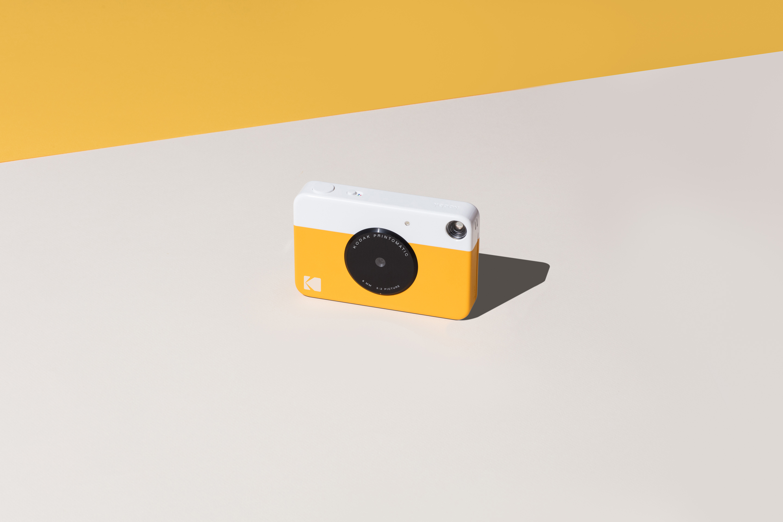 polaroid vs kodak The kodak printomatic instant print digital camera will be available late september 2017(credit: kodak) kodak has announced the upcoming release of.