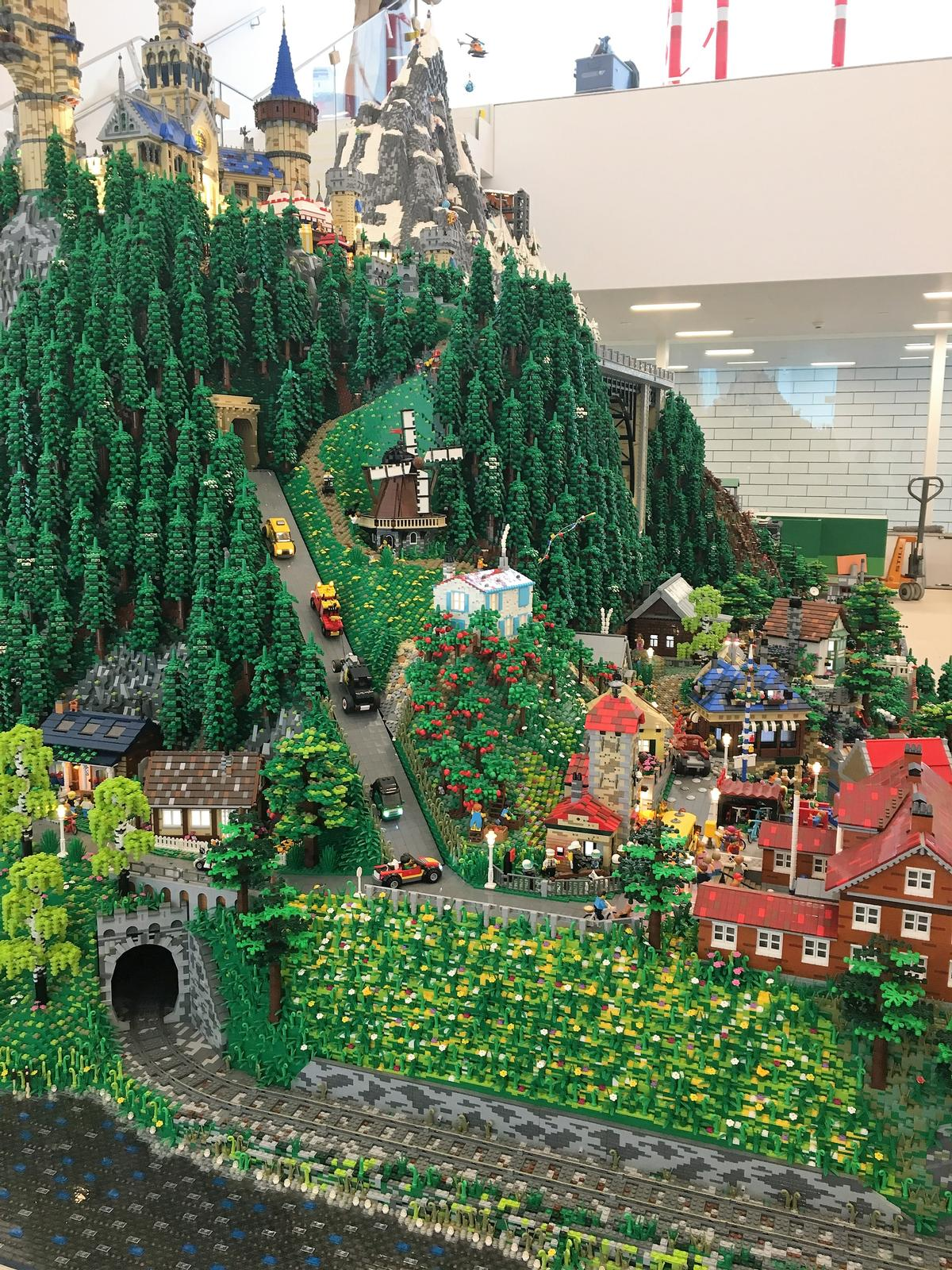 Lego House A Giant Playhouse Dubbed The Home Of The Brick Is Now