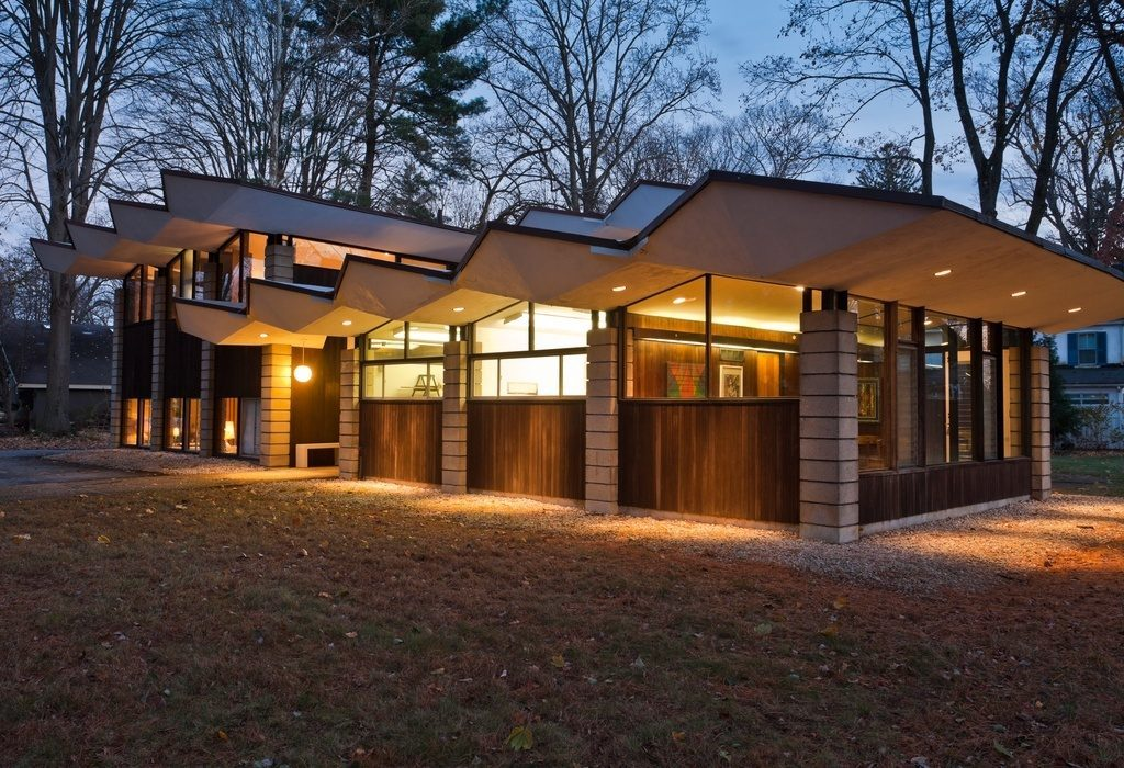 Midcentury modern curbed philly for Modern homes for sale
