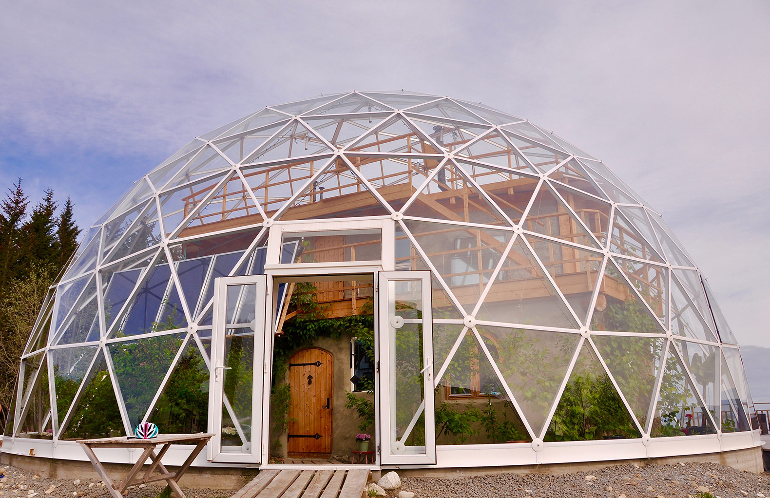 glass_geodesic_dome_house_norway_5.0.jpeg