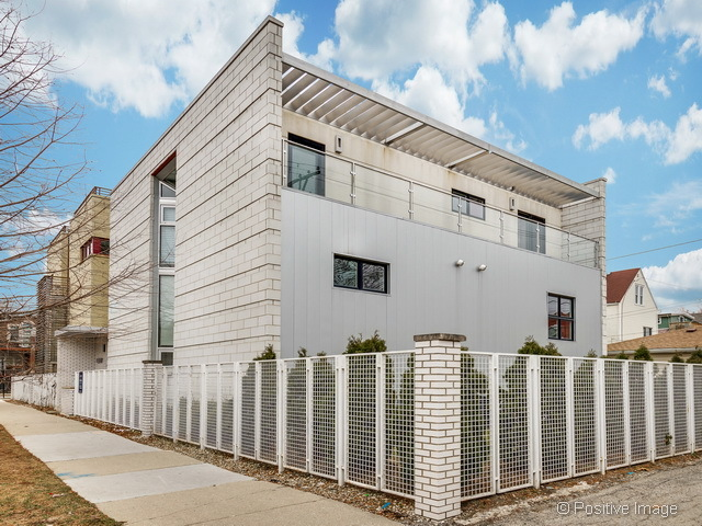 Old Chicago Utility Substation Turned Luxury Mansion Takes